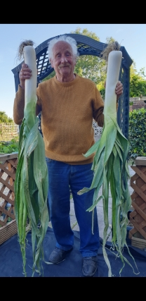 JamesKearnsGiantLeeks